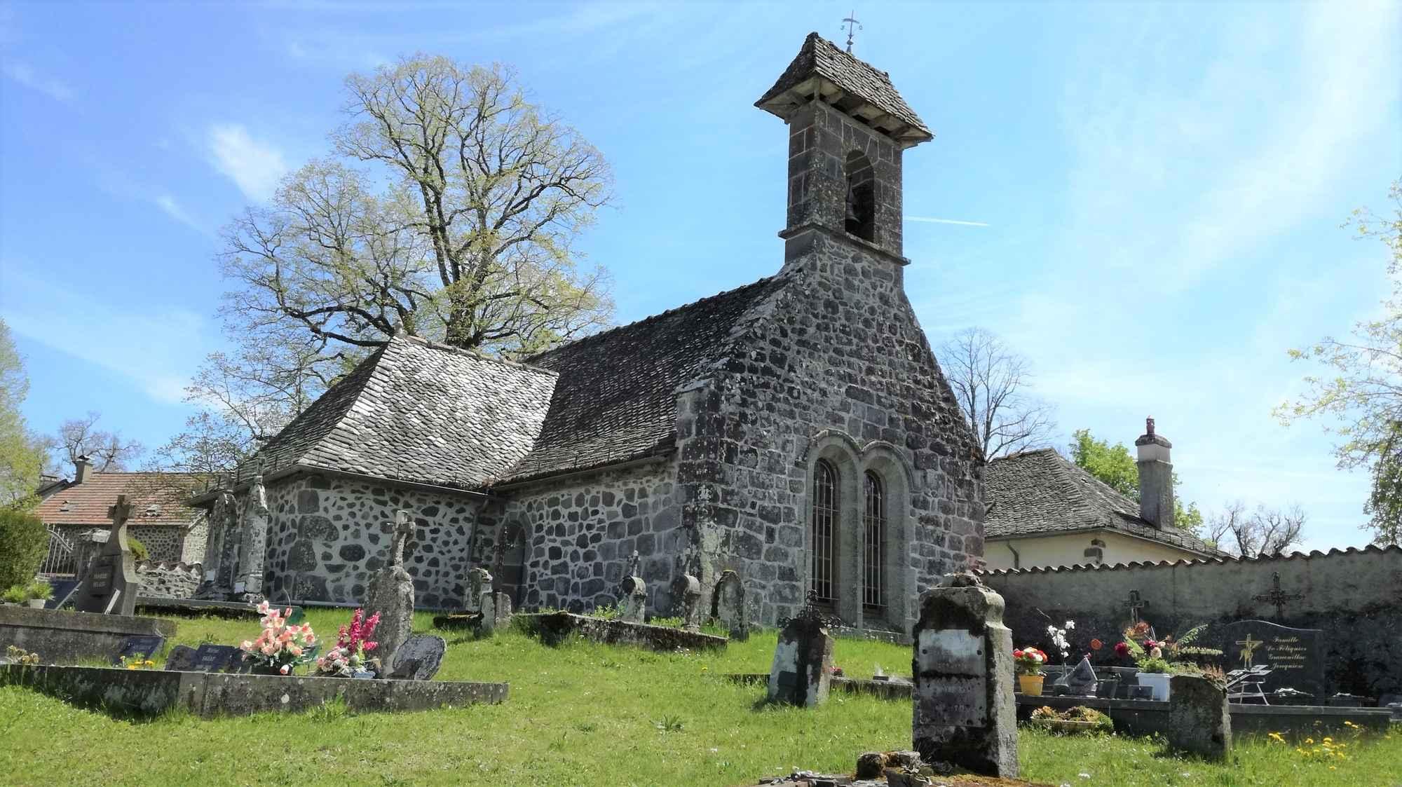 Eglise de St-Jean-De-Dône et cimetière